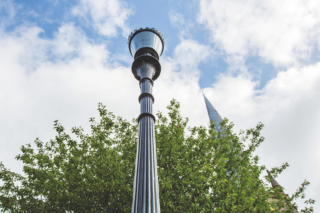 chesterfield lamp, chesterfield crooked spire local history,